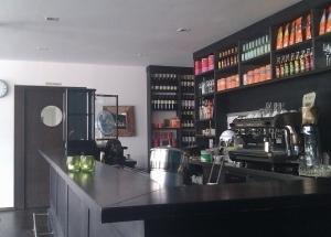 Schmeckhaus_Tresen_2-300x226